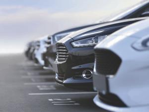Detaljer i nya bilmodeller kan tillverkas av plast från återvunna storsäckar.